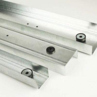 Vibrofix Liner 28, звукоизоляционный направляющий профиль (ширина 28 мм, длина 3 м)